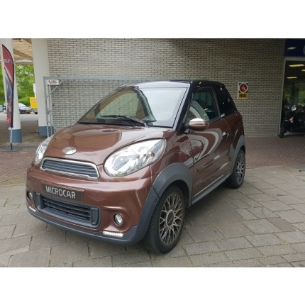 Microcar M8 Chocolate & Cream